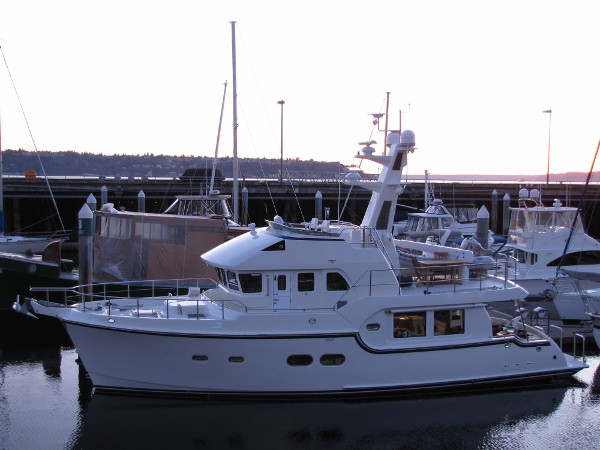... and three days ago, the new owners took delivery of our Bayliner 4087.